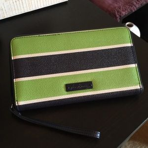 Navy/Green Wristlet Wallet